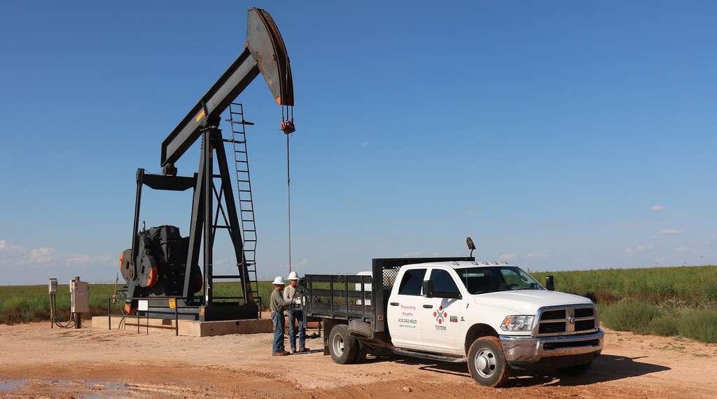 Ce type de puits de pétrole est souvent utilisé pour extraire des hydrocarbures conventionnels. Il s'agit en quelque sorte d'une grande pompe. © mark2112, Pixabay, CC0 Creative Commons