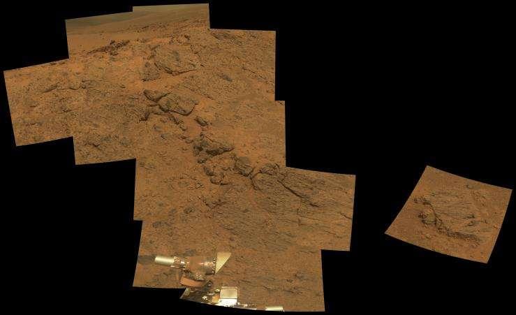 Affleurement rocheux à Murray Ridge en bordure du cratère Endeavour, où travaillait Opportunity entre le 21 et le 23 novembre 2013 (3.494 à 3.496 sols). © Nasa, JPL-Caltech, université Cornell, université d'État de l'Arizona