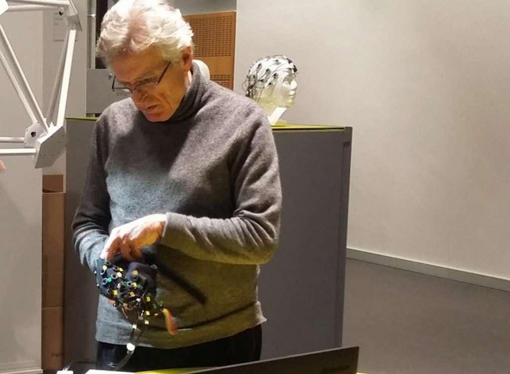 Le professeur Niels Birbaumer est à l'origine de cette expérimentation inédite qui a permis d'établir une communication avec des personnes souffrant d'un syndrome locked-in complet. © Wyss Center