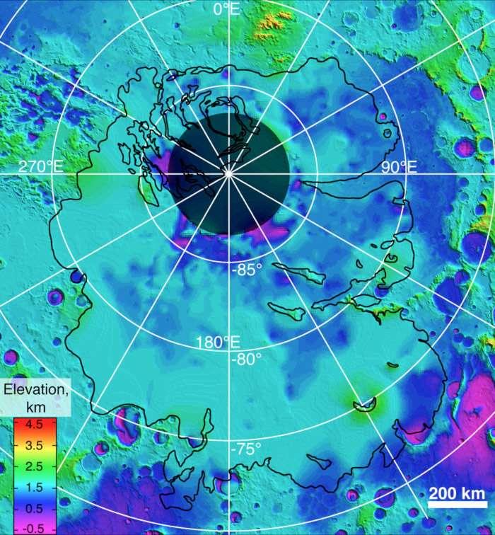 Carte du sol et du sous-sol au niveau du pôle sud de la Planète rouge obtenue par le radar Marsis, embarqué sur la sonde Mars Express, en orbite le 25 décembre 2003. Les strate de dépôts au niveau des pôles, reposant sur un substrat rocheux profond, sont surtout composés de glace, et ils contiennent la majeure partie de l'eau actuellement présente sur Mars. © Esa, Nasa-JPL, Asi, University of Rome