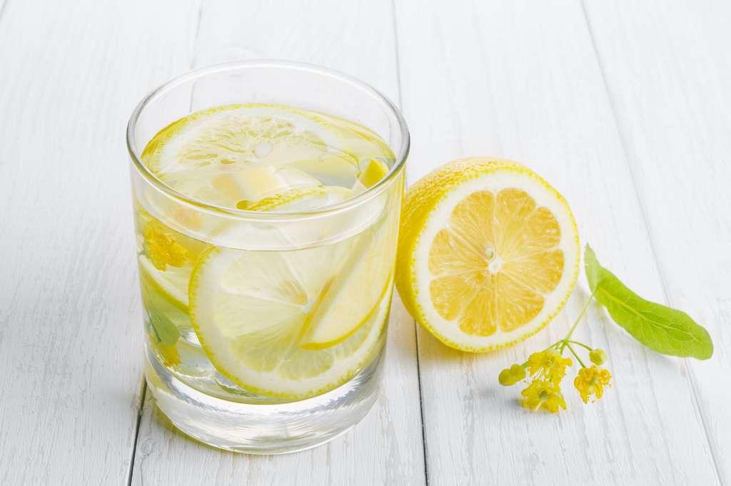 Régime détox : non le citron ne brûle pas la graisse ! © Andrii Zastrozhnov, Adobe Stock