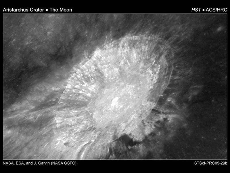 Vue rapprochée du cratère Aristarchus