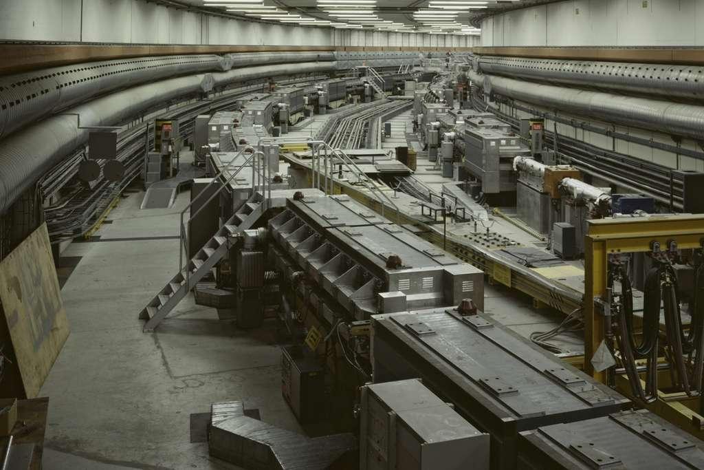 Une section des anneaux de stockage à intersections (ISR), le premier collisionneur d'hadrons jamais construit. © Cern