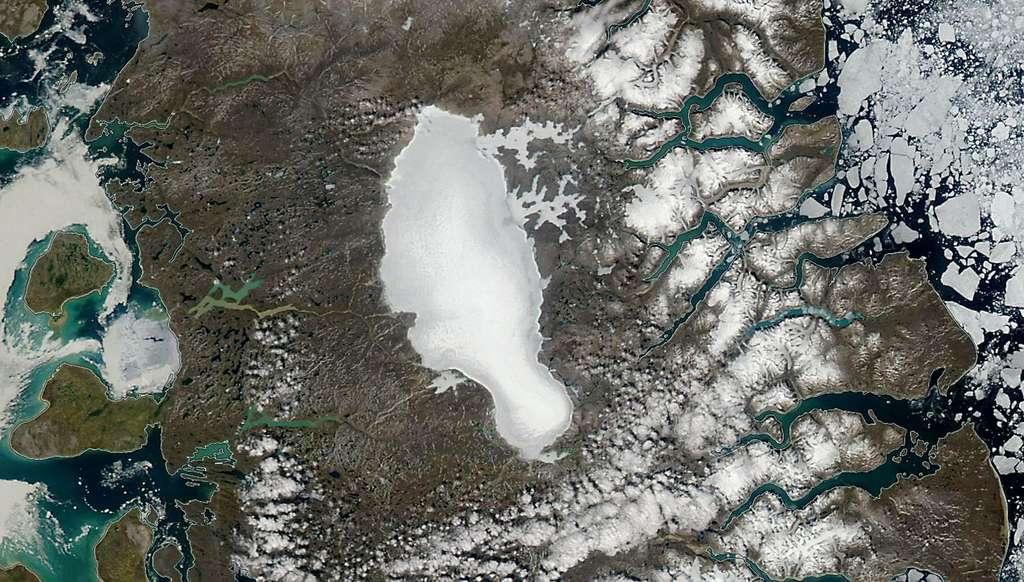 La calotte glaciaire de Barnes en juillet 2010. © Nasa