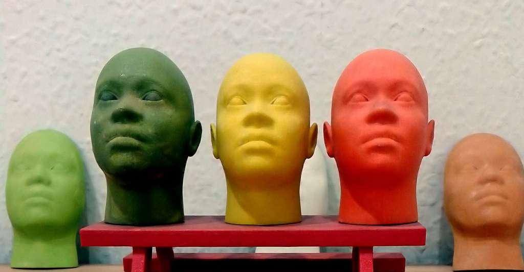 Est-il possible de passer du virtuel au réel ? Ici, masques réalisés avec une imprimante 3D. © S zillayali, Wikimedia Commons, CC by-sa 3.0