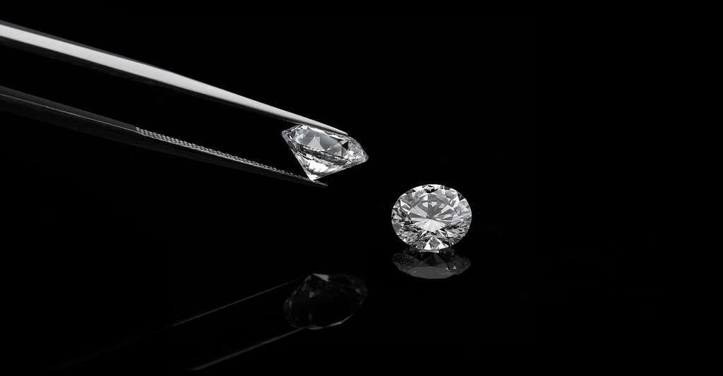 Quelles sont les caractéristiques du diamant ? © Manutsawee, Fotolia