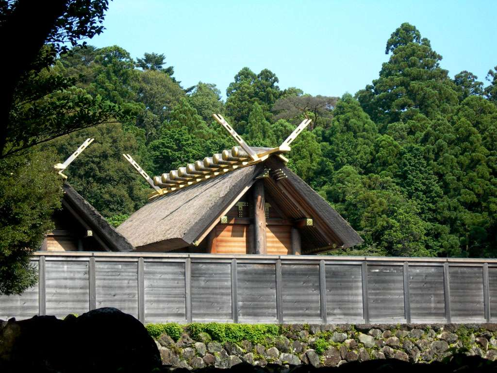 Le sanctuaire d'Ise (Japon) est le bâtiment principal du naiku (sanctuaire intérieur). © Nyotarou, CC by-nc 2.5