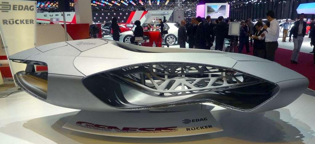 Le concept de châssis monobloc d'EDAG pourrait révolutionner la production automobile. C'est un dérivé d'impression 3D qui permet de concevoir ce châssis constitué d'une seule pièce de fibre de carbone. © Emmanuel Genty (EP), Futura-Sciences