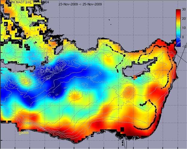 Carte réalisée grâce aux données satellite durant l'expédition Tara Oceans. Elle montre la partie est de la Méditerranée, avec l'île de Chypre en haut à droite. La carte indique la hauteur du niveau de la mer par rapport à la moyenne. En bleu, le niveau est plus bas, en rouge il est au-dessus. Ces données sont importantes à connaître sur place. La tache rouge au sud de Chypre indique la position de l'équipe Tara et des mesures qui seront réalisées par des gliders. Ainsi, le contexte océanographique sera bien connu. © D. Hayes et al./Locean