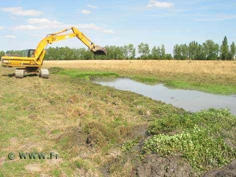 Travaux de restauration hydraulique. © WWW.Fr - Tous droits de reproduction interdit