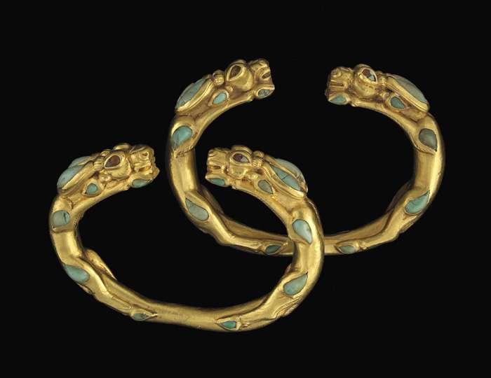 Bracelets ornés d'antilopes trouvés en Afghanistan