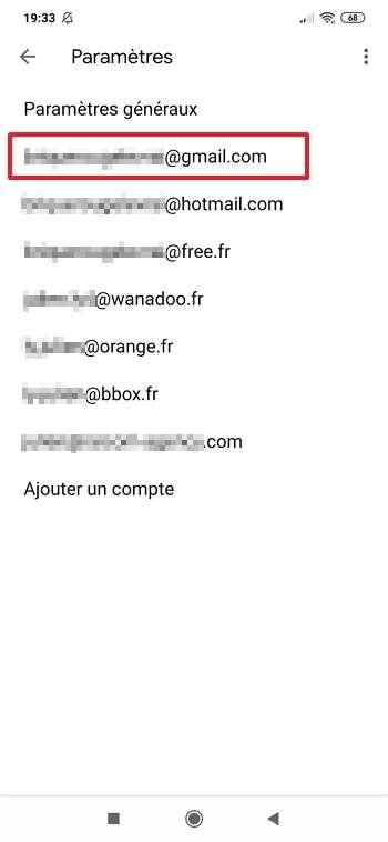 La signature de chaque compte de messagerie peut être personnalisée. © Google Inc.