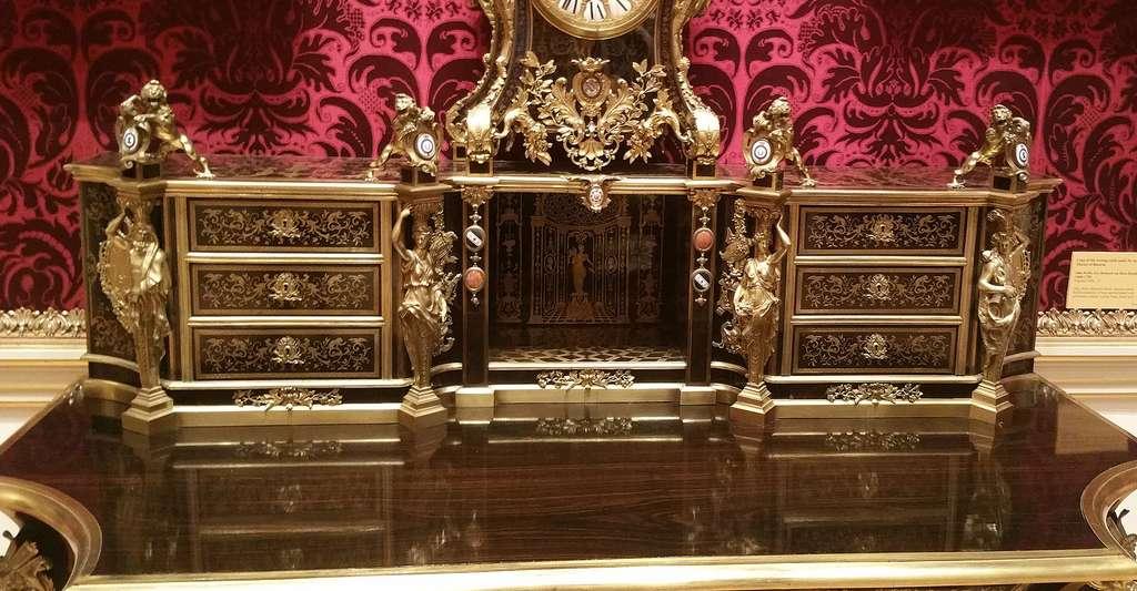 Histoire de l'étain, de François Briot à André-Charles Boulle. Ici, un exemple d'horloge Boulle. © Shani Evenstein, Wikimedia Commons, CC by-sa 4.0