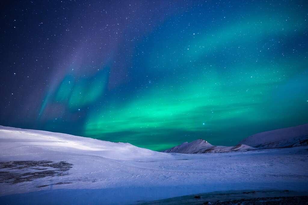À l'inverse de l'Antarctique, l'Arctique n'est pas constitué de terre mais seulement d'eau conglelée. © Noel_bauza by Pixabay