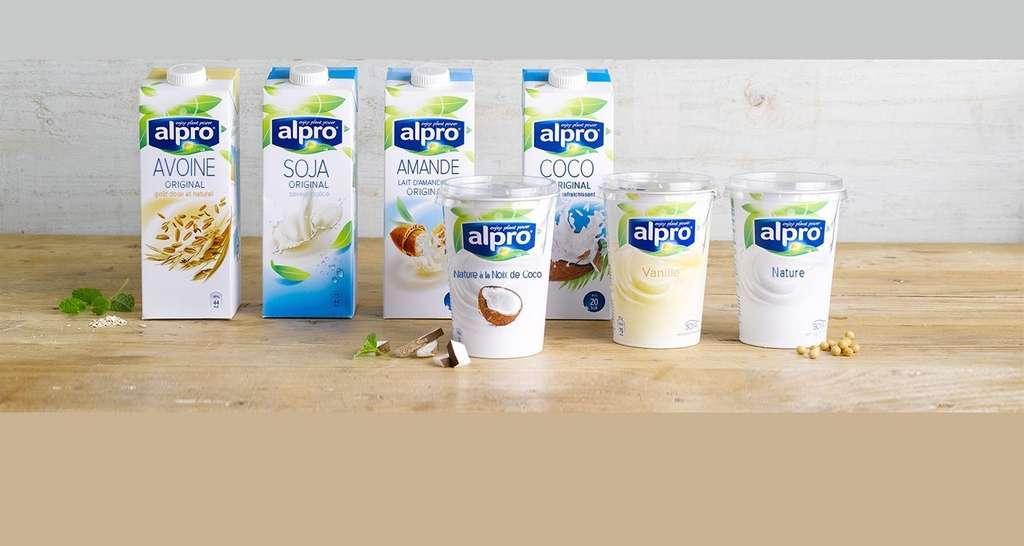 Les boissons à l'amande ou au riz ressemblent plus à de l'eau sucrée qu'à du lait. © Alpro