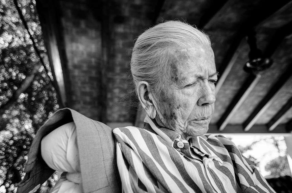 Le vieillissement de la population fait de la maladie d'Alzheimer une priorité de santé publique dans tous les pays développés. Selon le CépiDC (Centre d'épidémiologie sur les causes médicales de décès), la maladie d'Alzheimer et les autres démences (MAAD) seraient la quatrième cause de décès en France. © Travishenderson, Flickr, cc by nc sa 2.0