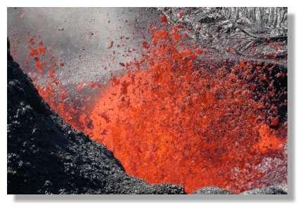 Eruption du 4 Juin 2003 © Photo Philippe Mespoulhé