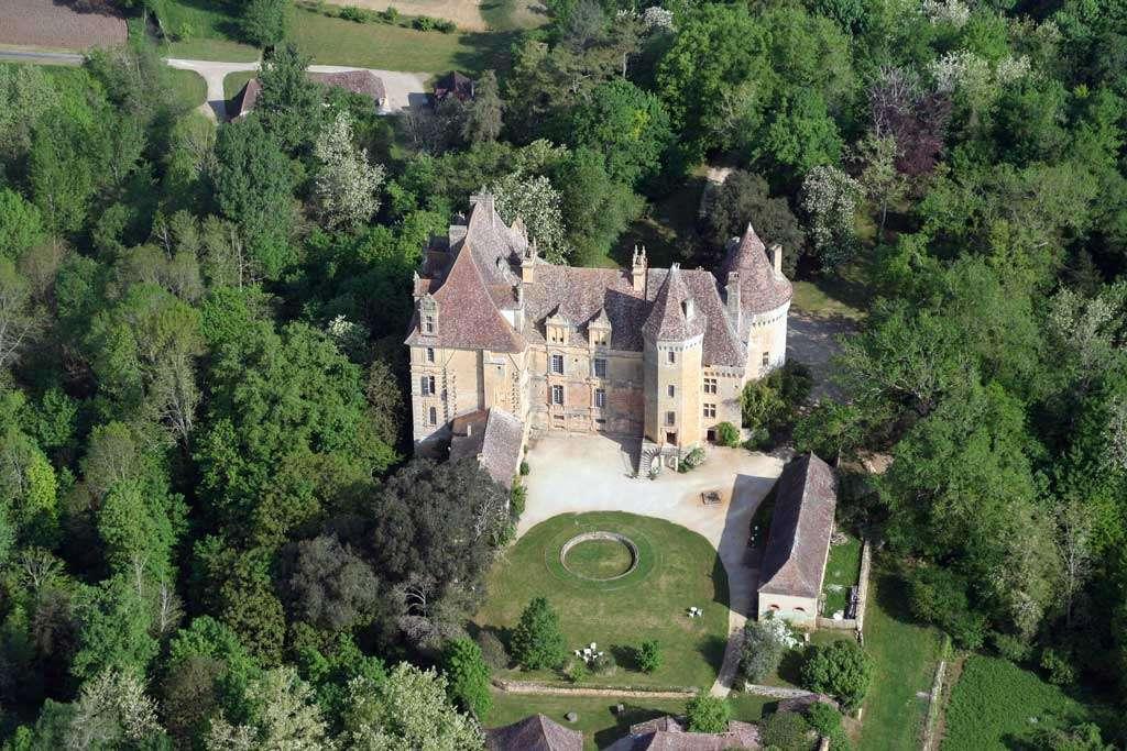 Le château de Lanquais, en Dordogne