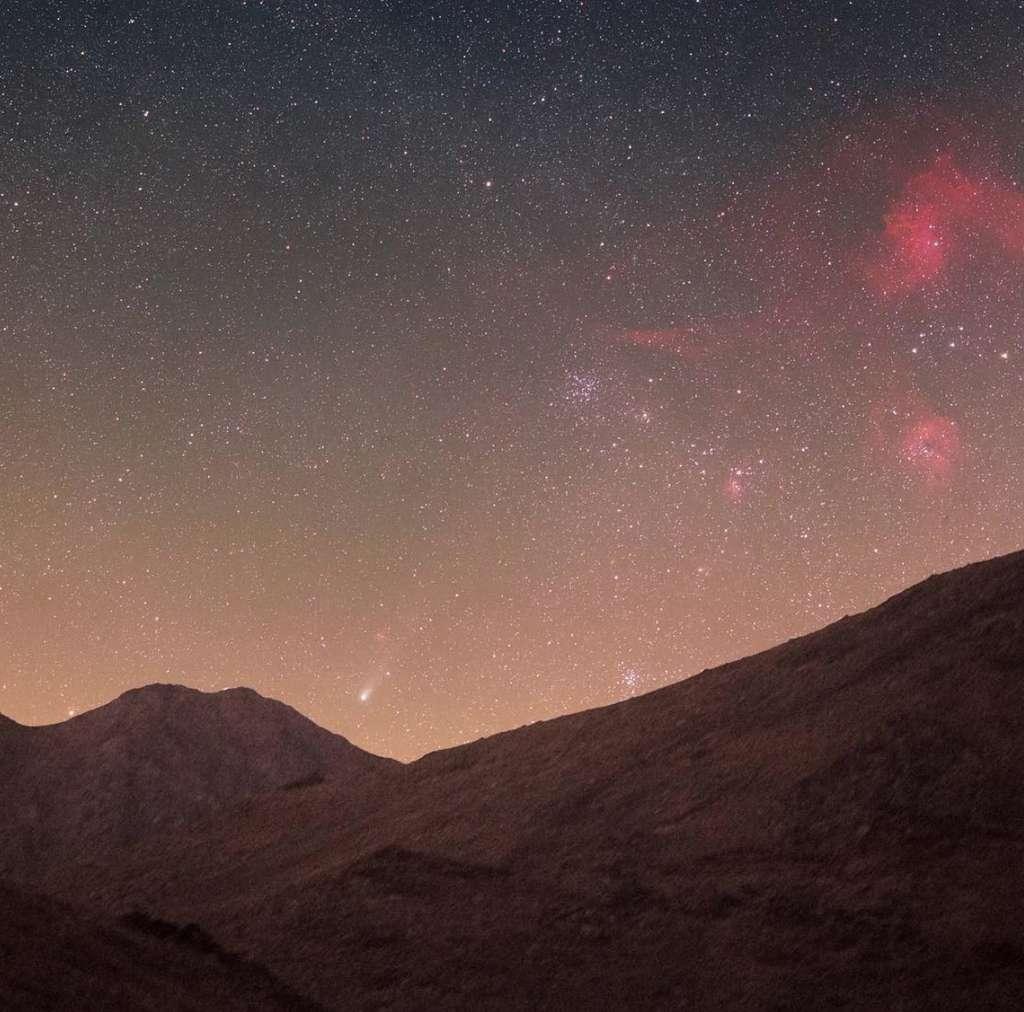 La comète 21P photographiée dans le désert, en Iran. © avec l'aimable autorisation d'Amir H. Abolfath