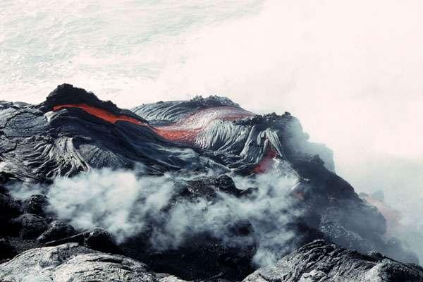 La lave pāhoehoe, au Kilauea, à Hawaï