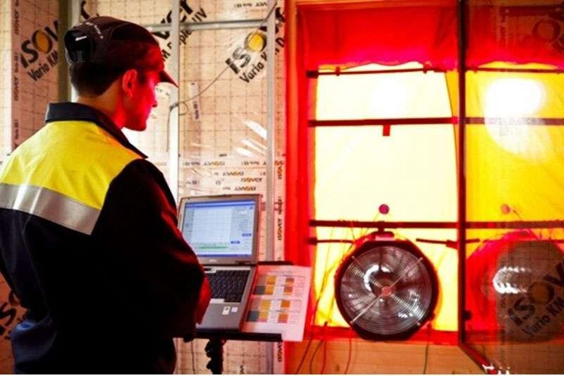 Le traitement de l'étanchéité à l'air est l'un des points d'orgue de la réglementation thermique 2012. © DR