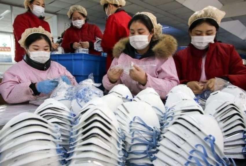 Plusieurs pays, dont la France, ont déjà envoyé du matériel médical. La Chine manque de masques de protection et des combinaisons. © STR, AFP
