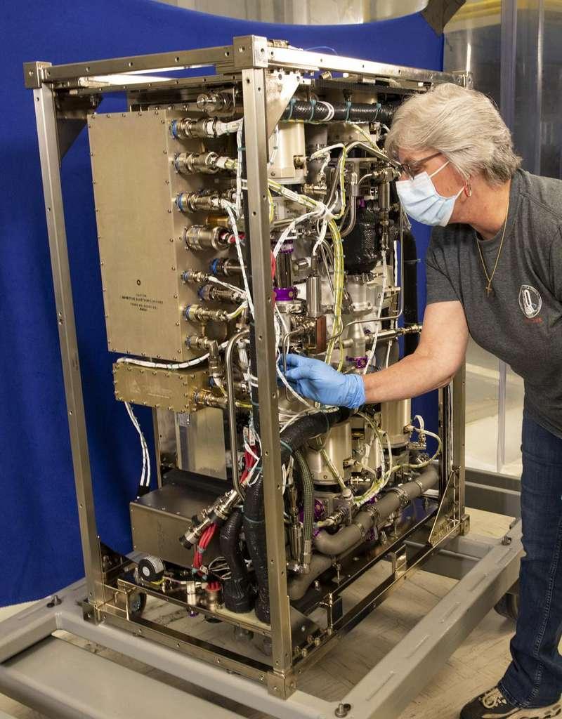 Le nouvel épurateur de CO2 à quatre lits qui sera envoyé sur l'ISS. © Fred Deaton, Nasa