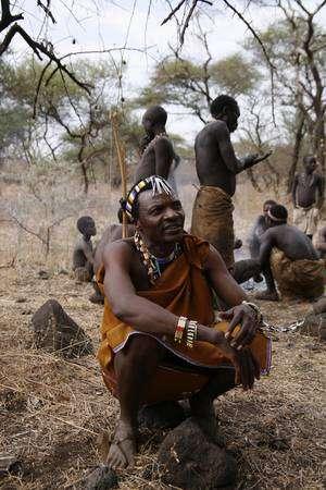Les San, souvent appelés bushmen en anglais, descendraient d'ancêtres s'étant séparés du reste de l'humanité il y a 100.000 ans. © NGT / Isham Randolph