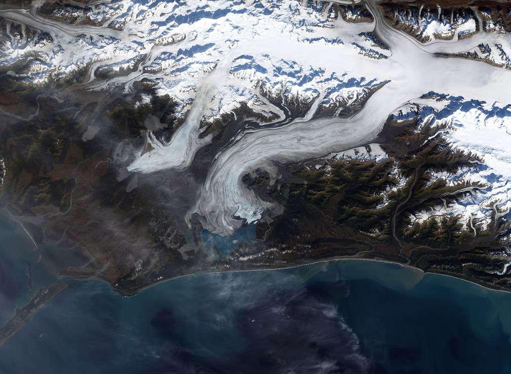 Le glacier de Bering et les tremblements de terre en Alaska