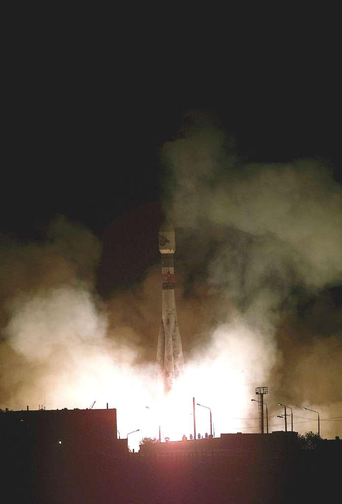 Lundi 2 juin 2003, décollage de la sonde Mars Express, première mission martienne de l'Agence spatiale européenne. © S. Corvaja, Starsem, Esa