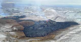 Volcan en Islande : de nouvelles vidéos par drone et des torrents de lave spectaculaires