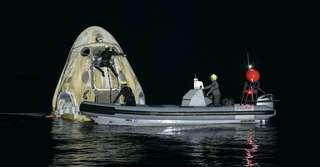 En vidéo : le retour sur Terre en pleine nuit des astronautes de Crew-1