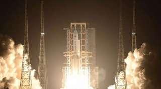 Espace : personne ne sait où va tomber le premier étage de 30 m du lanceur chinois Long March 5