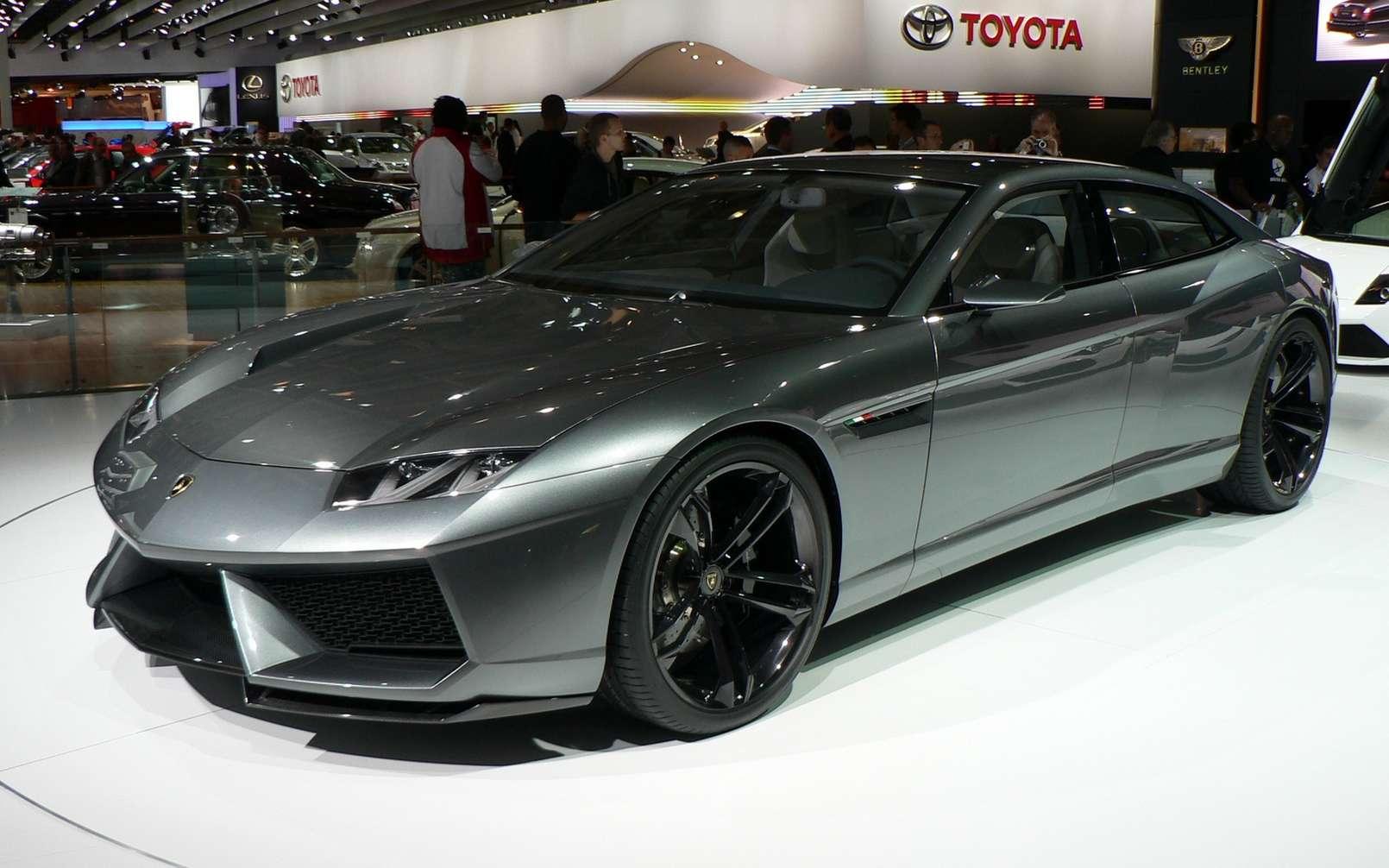 Le concept Lamborghini Estoque présenté en 2008 pourrait servir de base à la futur GT 2+2 électrique. © Neef – 2, CC by-sa 3.0