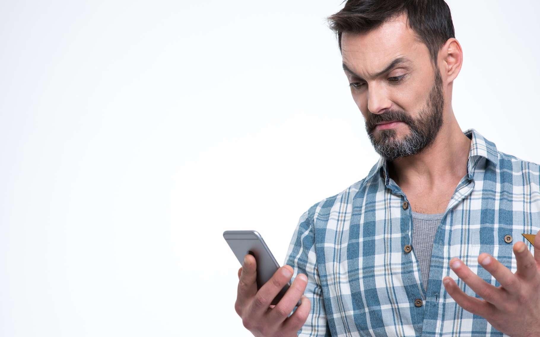Selon une étude américaine, une partie au moins des pannes observées sur nos smartphones et autres appareils électroniques serait à imputer aux rayons cosmiques. © Drobot Dean, Fotolia