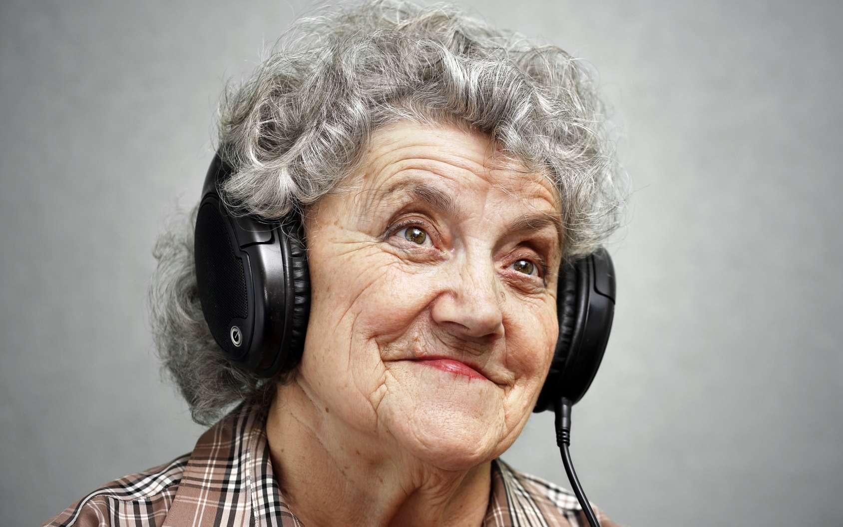 La musique aiderait les patients à réduire leurs traitements médicamenteux. © pavelkubarkov, Fotolia