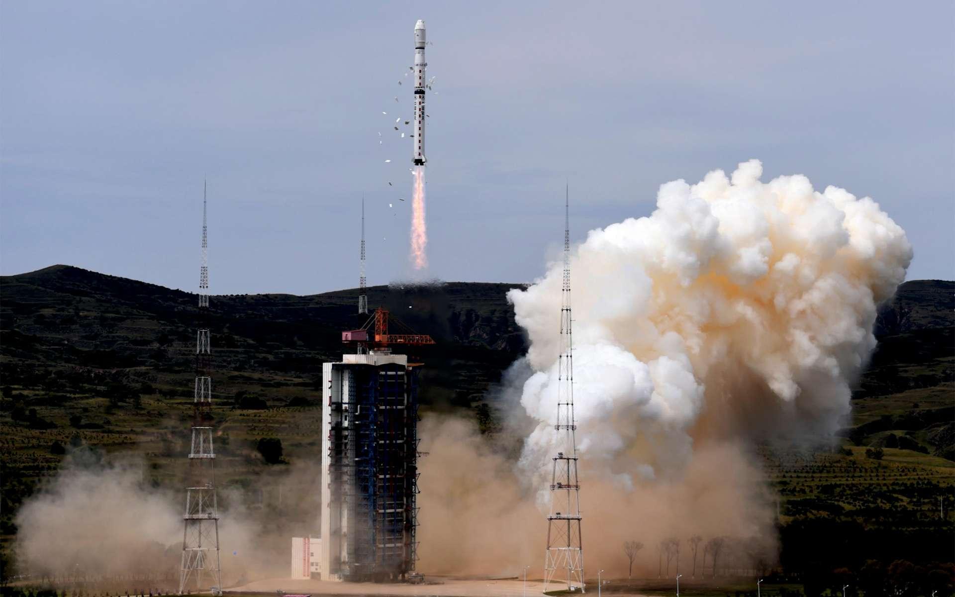 Décollage d'un lanceur Long March 4B depuis la base de lancement de Taiyuan, située dans la province du Shanxi au nord-est de la Chine. © Xinhua