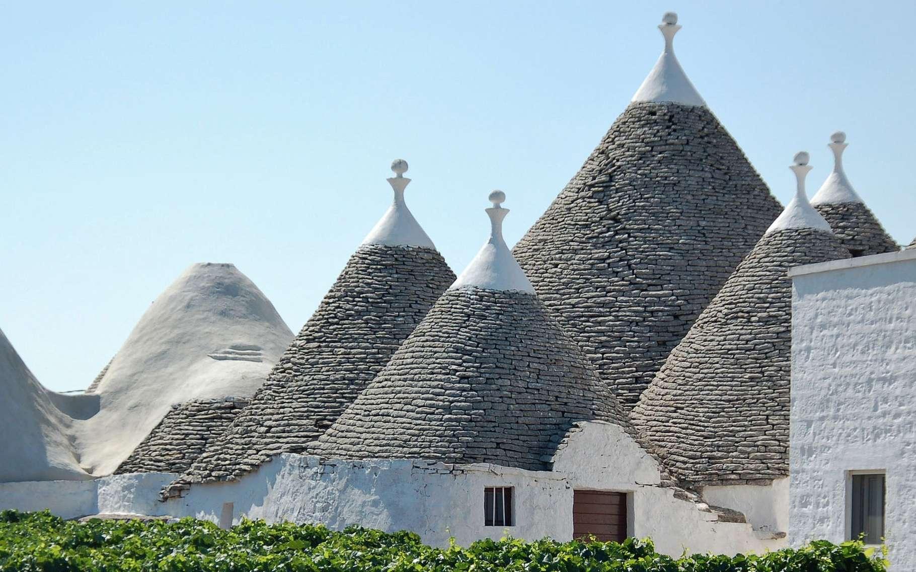 Vue sur les toitures coniques des maisons de Puglia, Italie. © Svb2016, Pixabay, Domaine Public