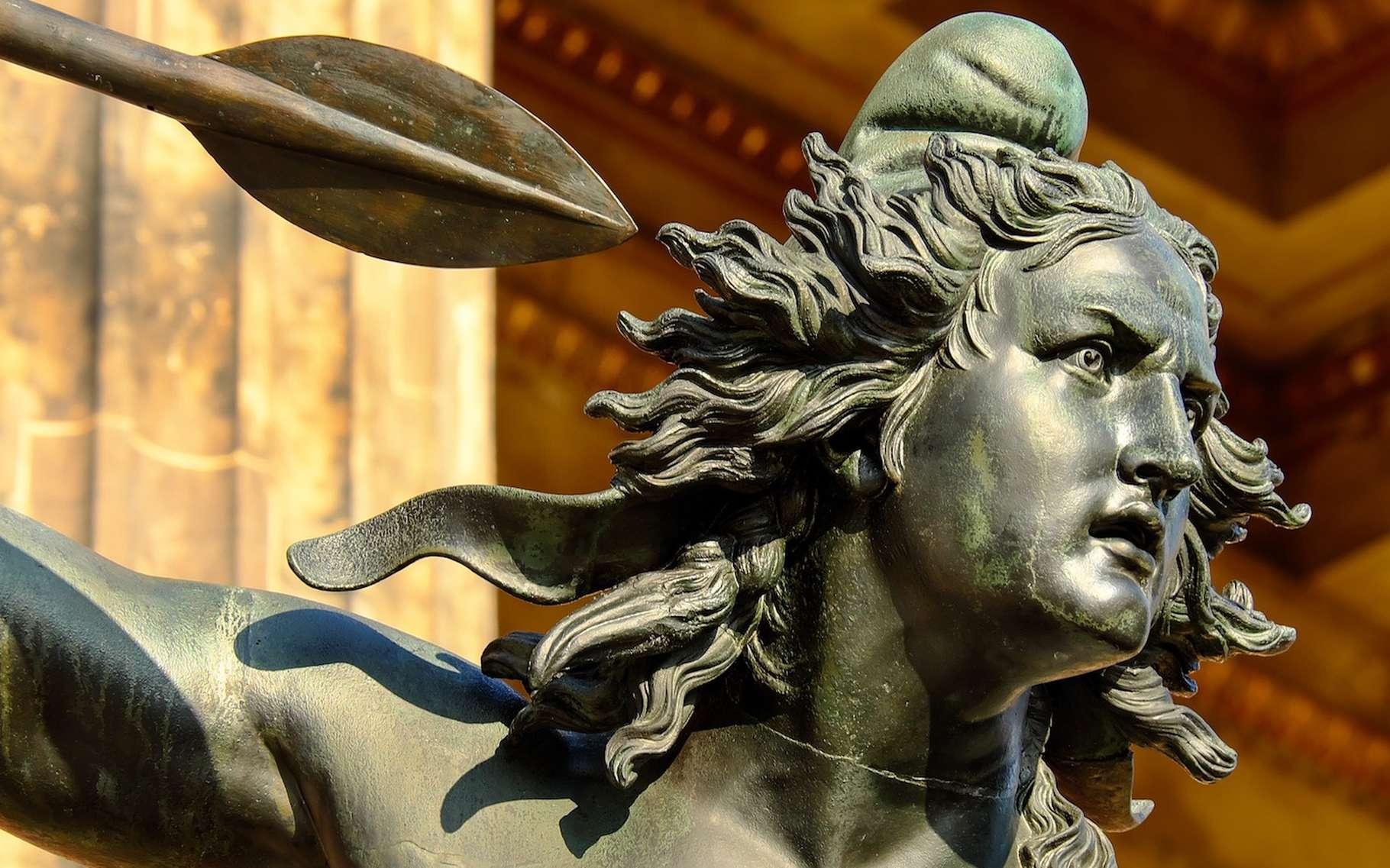 Le bronze dont sont faites de nombreuses statues est un alliage de fer et de carbone. © Couleur, Licence Pixabay