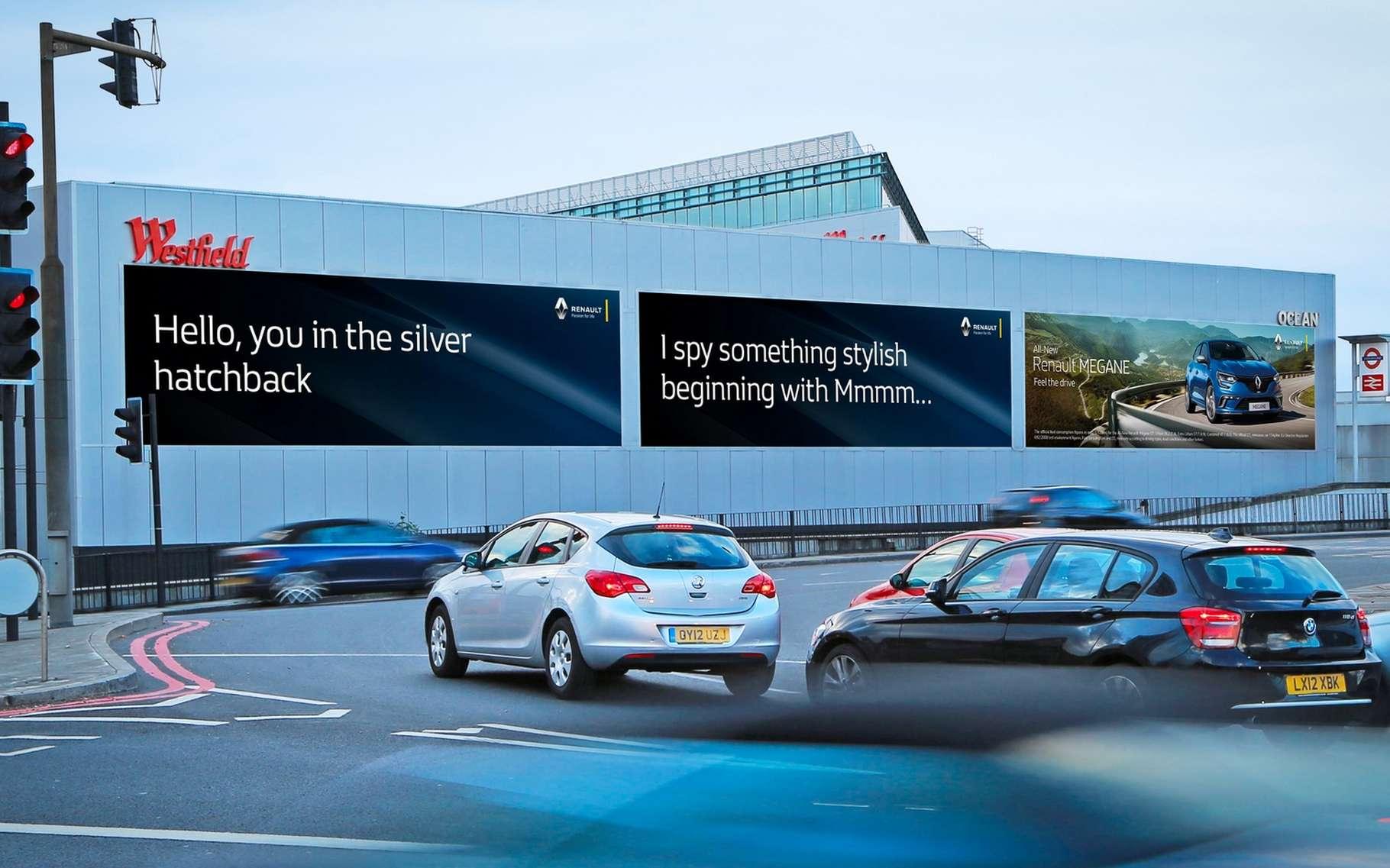 Renault est le premier annonceur à recourir au panneau publicitaire « intelligent » installé par Ocean Outdoor au cœur de Londres. Le constructeur français se sert du système de publicité ciblée pour vanter sa nouvelle Mégane. © Ocean Outdoor