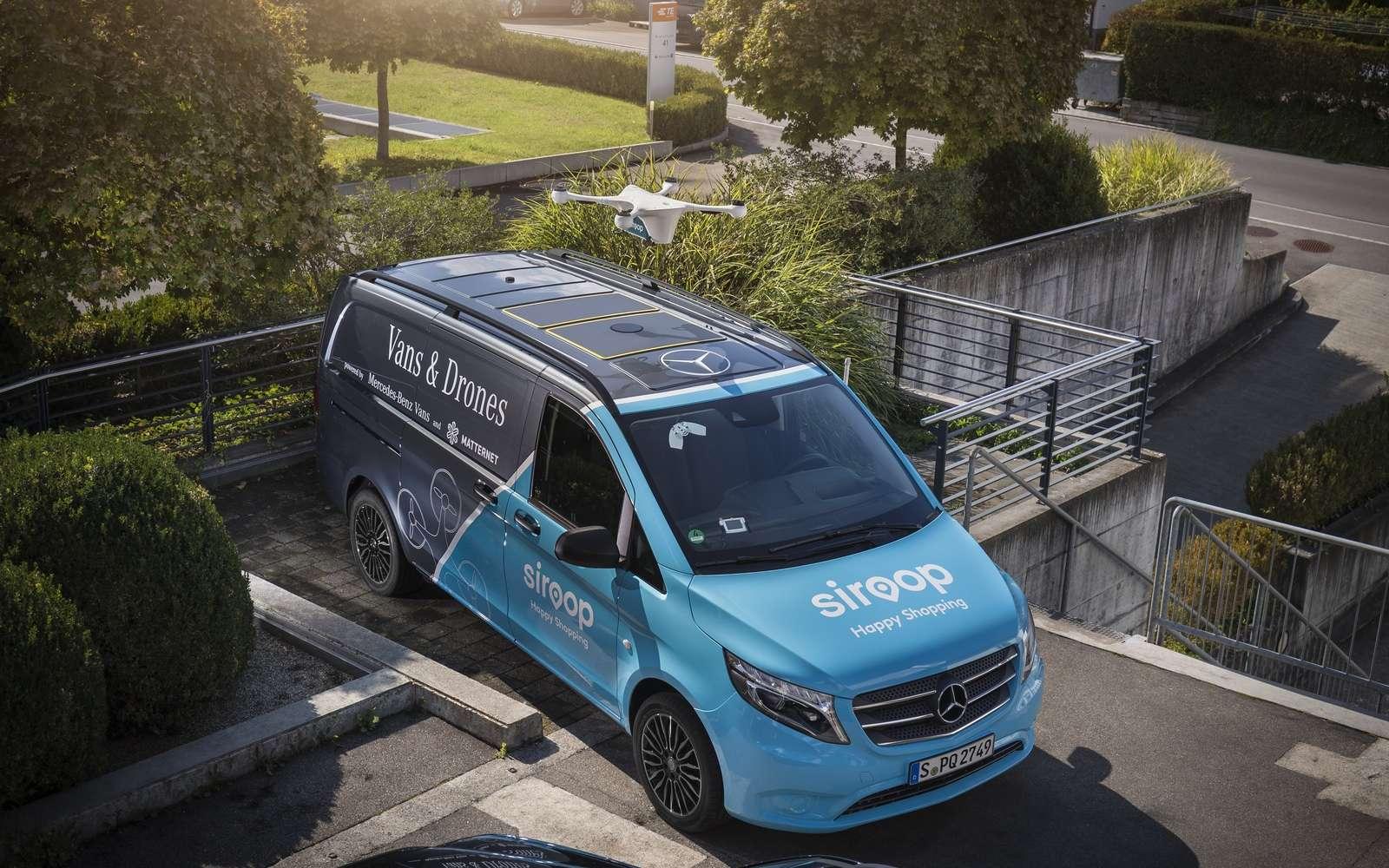 La camionnette Mercedes Vito est équipée d'un système de guidage qui permet au drone de livraison d'atterrir avec précision sur son toit. © Mercedes-Benz