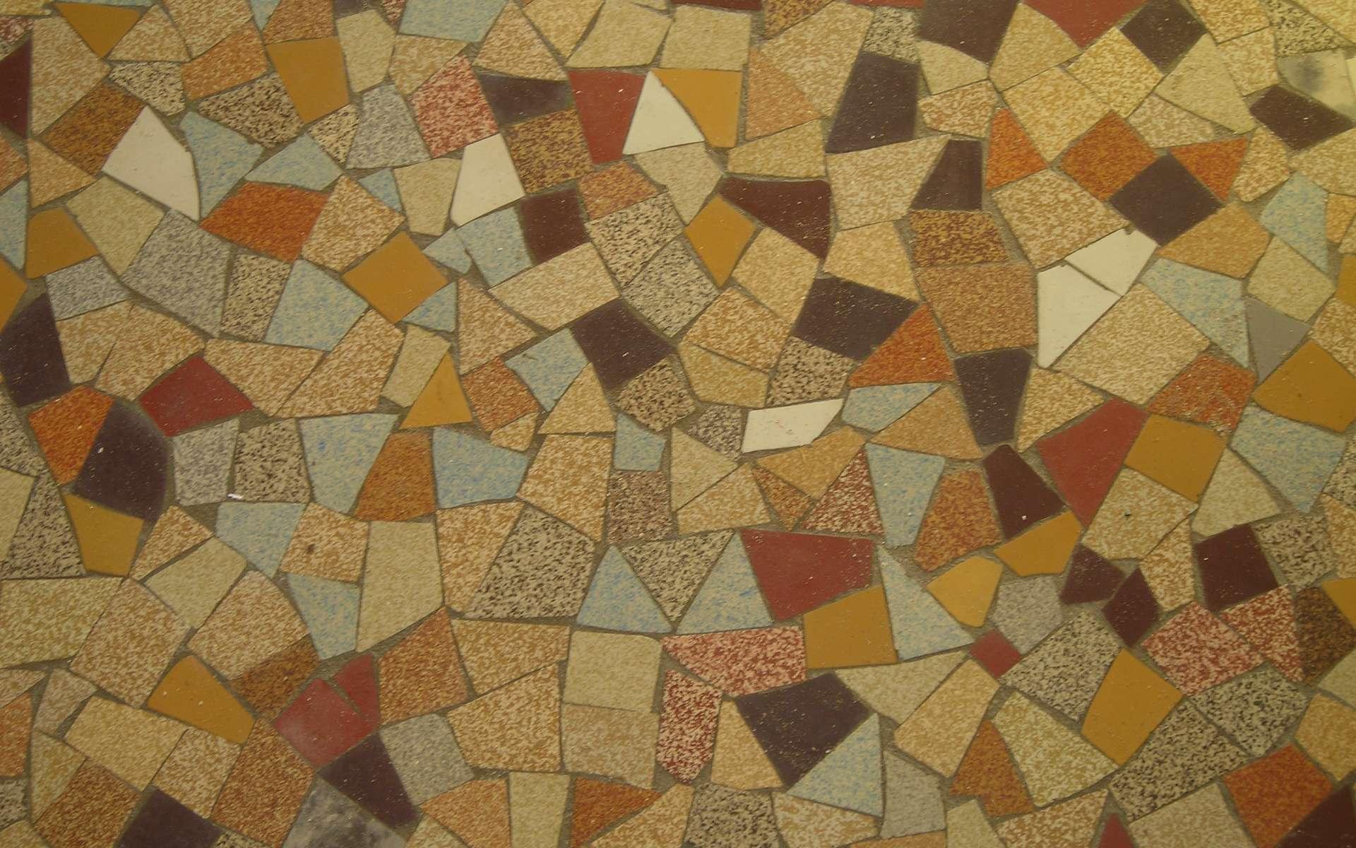 L'opus incertum est une technique de maçonnerie qui consiste à assembler des morceaux irréguliers. © Fred Marchalon, CC BY-NC-SA 2.0, Wikimedia Commons