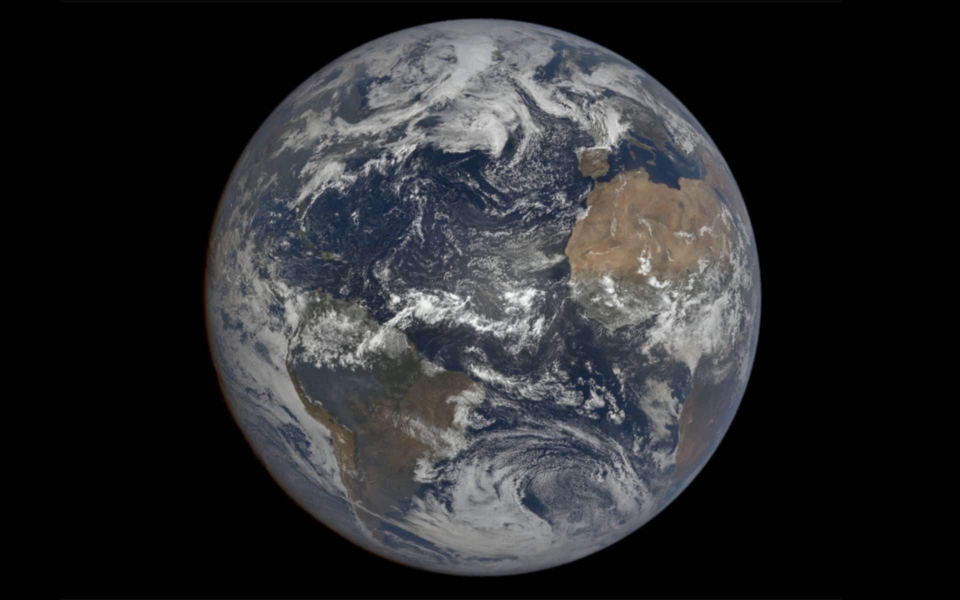 La Terre le 9 août 2021 photographiée par le satellite DSCVR, situé à 1,5 million de kilomètres. © Nasa