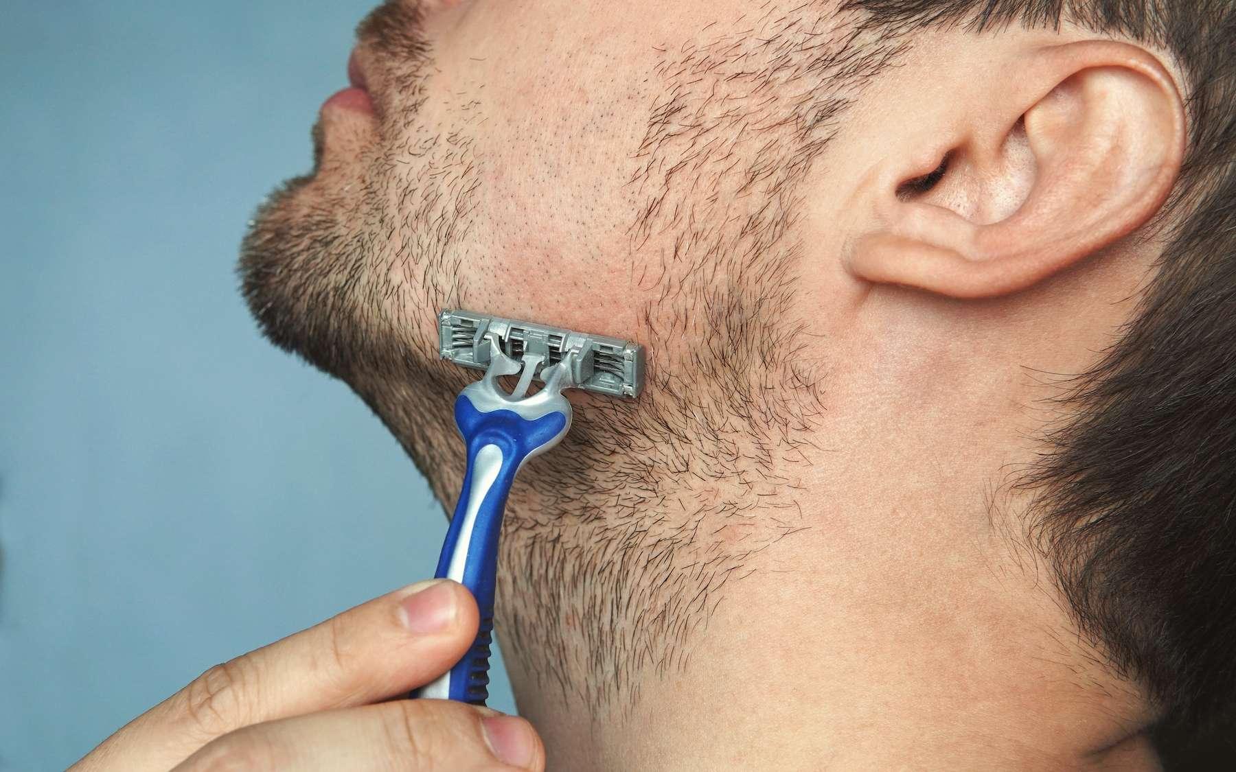 Pourquoi les lames de rasoir s'usent si vite ? © diy13, Adobe Stock
