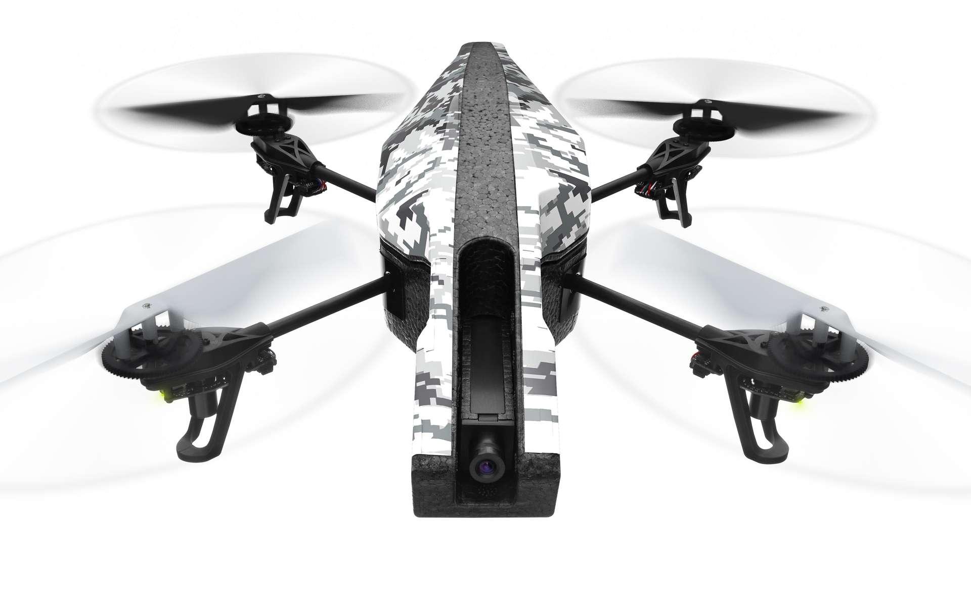 C'est avec un drone de loisir du même type que celui-ci que SensePost a testé son logiciel d'espionnage Snoopy à Londres. En survolant les artères de la capitale britannique, ils ont récolté des adresses Wi-Fi de centaines de smartphones à l'insu de leurs propriétaires. Snoopy a la capacité de se faire passer pour un point d'accès Wi-Fi familier d'un terminal mobile, puis d'envoyer tout le trafic entrant et sortant vers un serveur. © Parrot