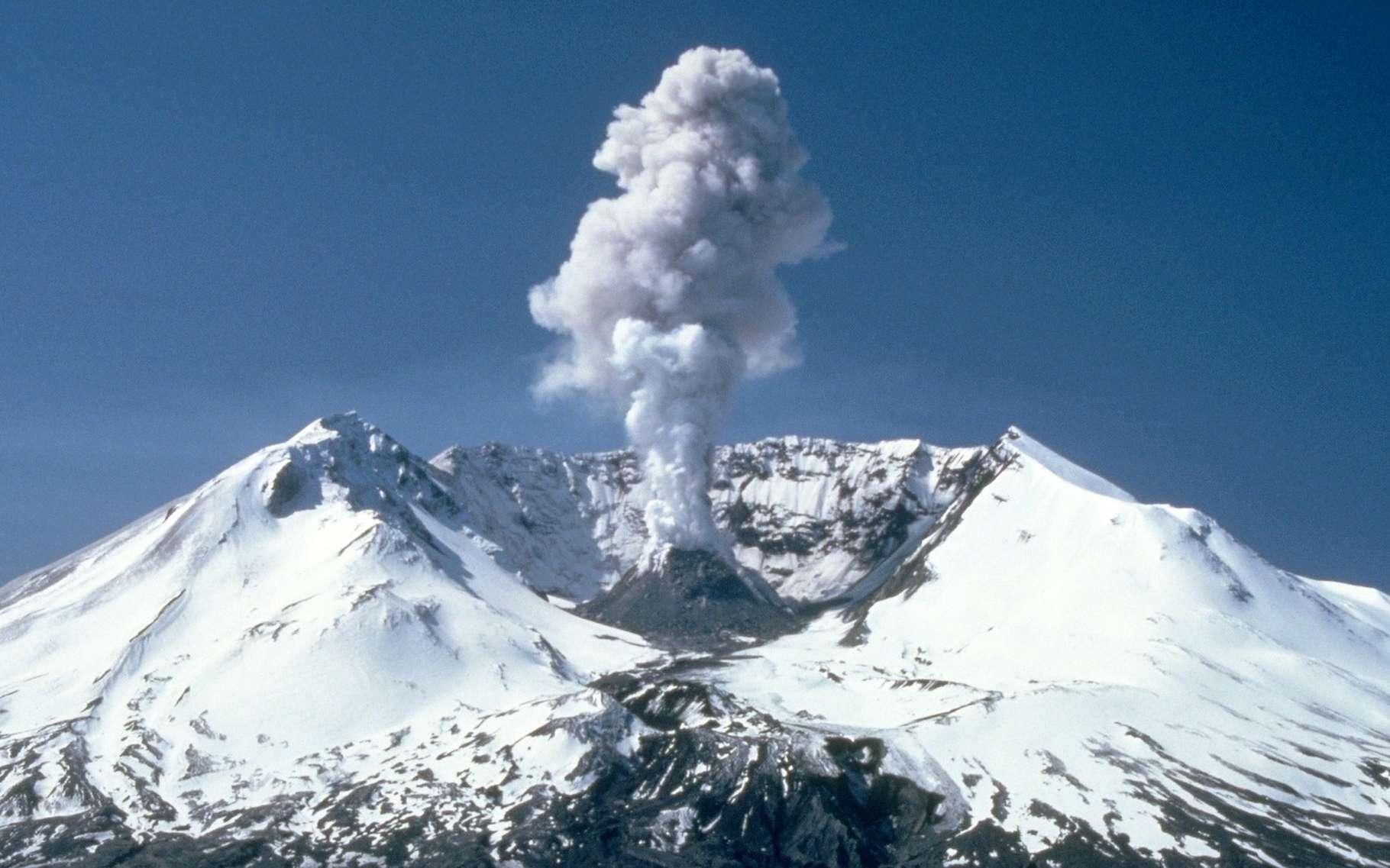 Les volcans émettent dans l'atmosphère, moins de CO2 que les activités humaines. © WikiImages, Pixabay, CC0 Creative Commons