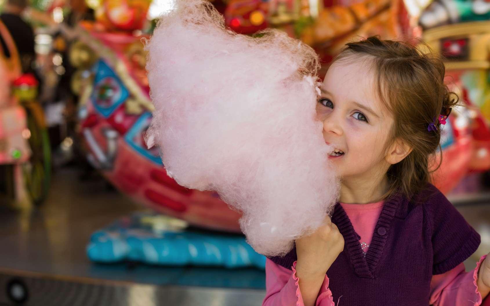 Comment le sucre se transforme-t-il en barbe à papa ? © Gina Sanders, Fotolia