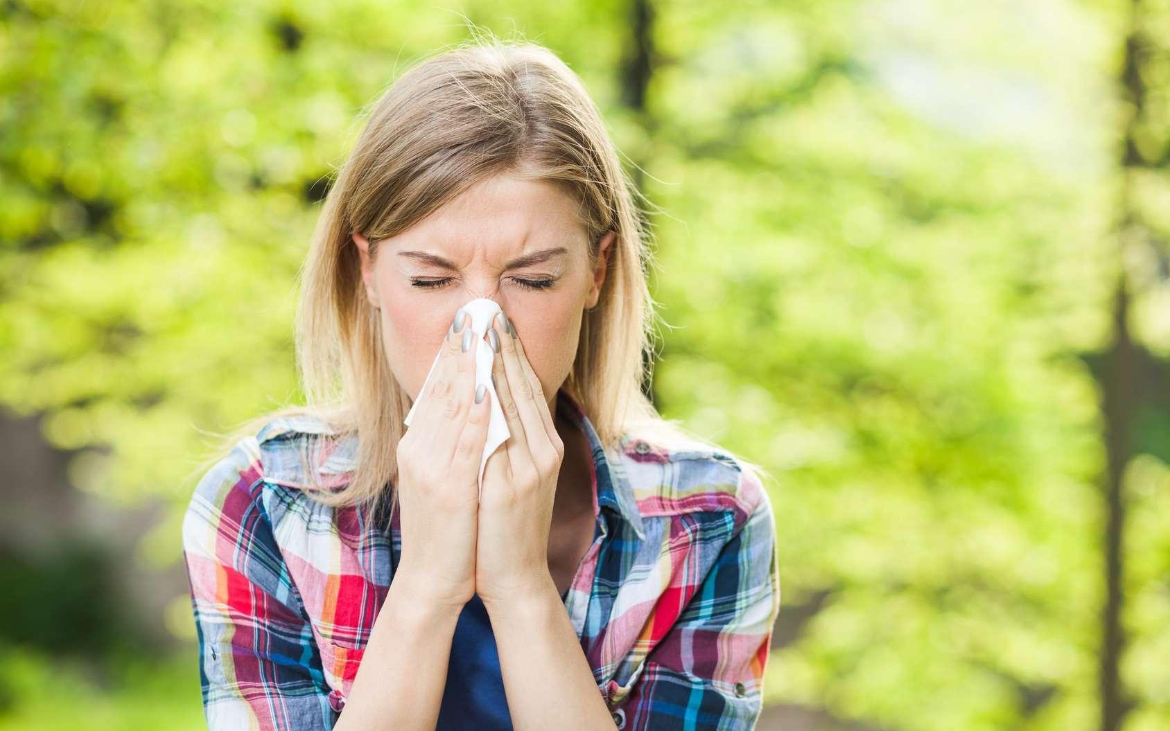 Les allergies saisonnières sont liées aux pollens, surtout présents au printemps et en été. © djoronimo, Fotolia