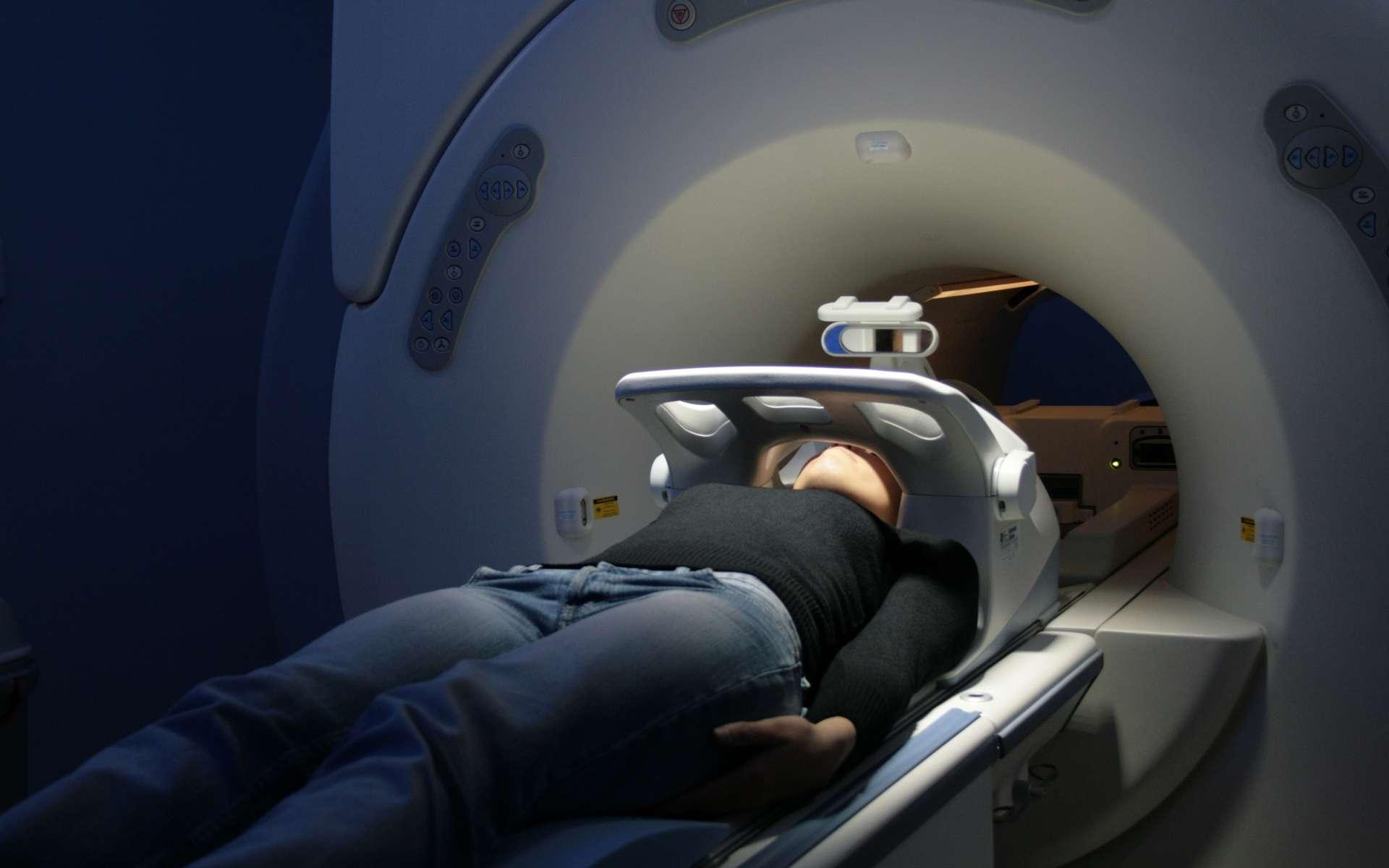 L'IRM (Imagerie par Résonance Magnétique) : un examen bruyant, mais pas douloureux… © G3R1, Fotolia