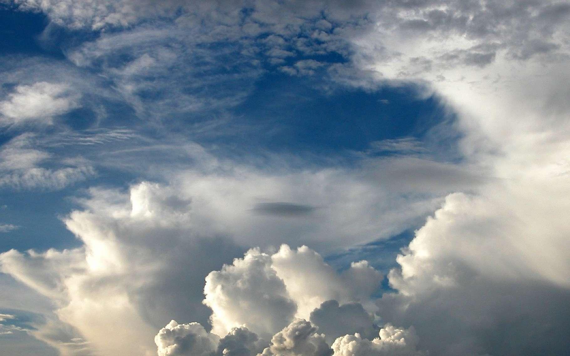 L'air est un mélange de corps purs, essentiellement des gaz. © HarmonyCenter, Pixabay, DP